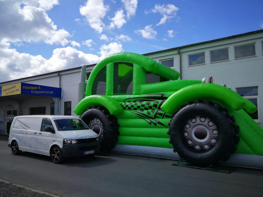 Hüpfburg `Hot-Wheel` 8,8x4,5x5,5m / 150,00€